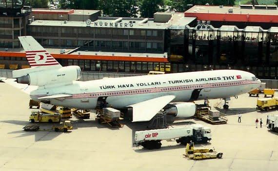 Türk Hava Yolları filosunda 3 adet McDonnell Douglas DC-10 yer alıyordu.