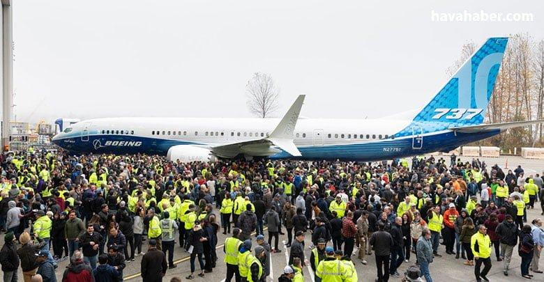 737 MAX10 fabrikadan çıktı