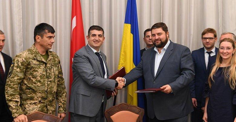 İmza töreninde Baykar Genel Müdürü Haluk Bayraktar katılırken, dost ülke Ukrayna ile iş birliğinin artarak devam edeceği mesajı verildi.