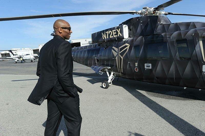 Kobe Bryant'ın N72EX tescilli Sikorsky S-76E tipi helikopterle seyahati sırasında kazanın meydana geldiği belirtiliyor